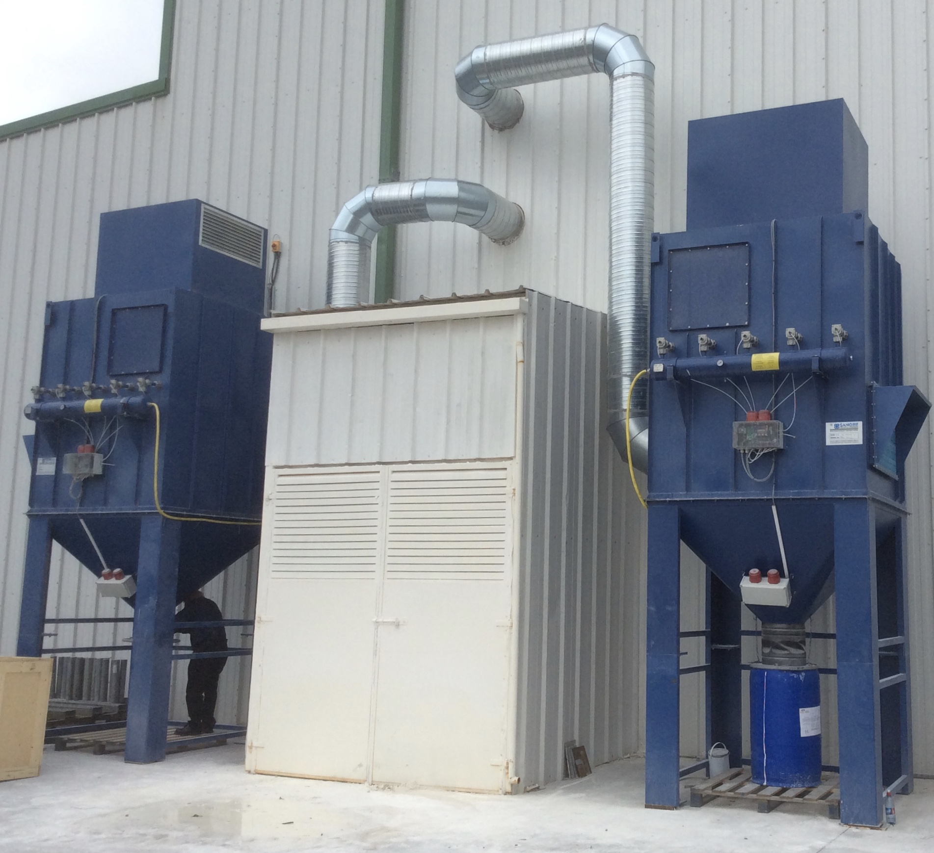 CF20 Reverse Jet Dust extraction units